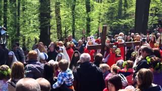 preview picture of video 'Droga Krzyżowa w Kalwarii Zebrzydowskiej - Wielki Piątek'