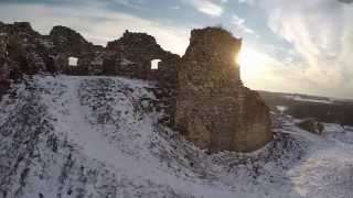 preview picture of video 'Aerial shots from a Hungarian castle ruin with drone in winter / Döbrönte télen egy drón szemével'