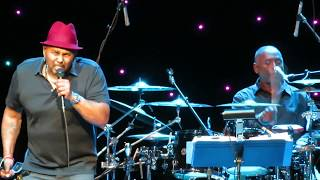 "Aaron Neville - ""You Never Can Tell"" - Mohegan Sun Arena - January 18, 2018"