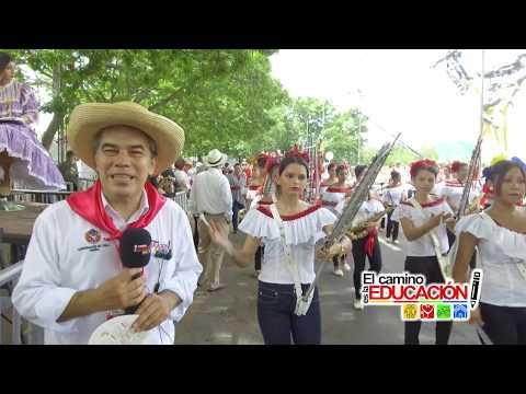 Desfile folclórico: Traje campesino candidatas reinado Departamental del Bambuco