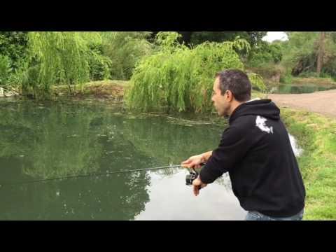 Russo che pesca in 3 collare di Khopyor