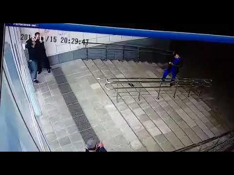 """Драка в московском торговом центре """"Солнцево Парк"""" из-за курения"""