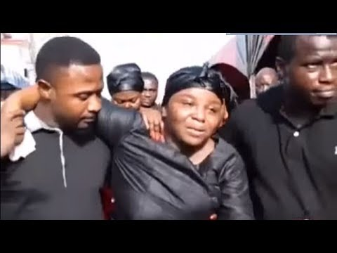 Video: Wife of KABA cries bitterly at husband's One week Commemoration
