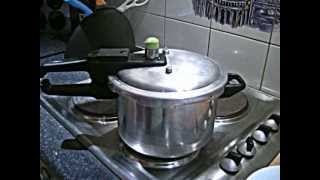 What is a Pressure Cooker   How to Open a Pressure Cooker