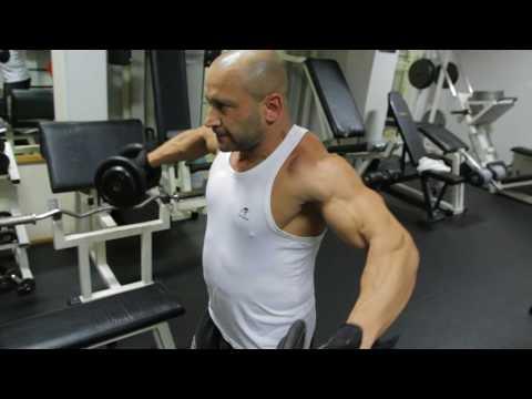 Prostownika mięśni ramienia w łokciu