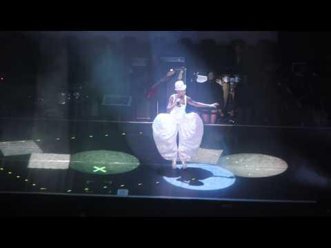 Grace Jones - Well Well Well - Royal Albert Hall 26/04/2010