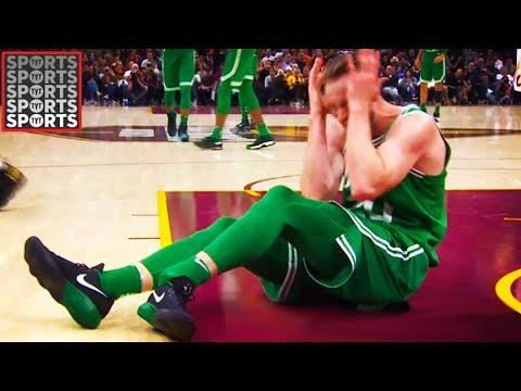 Gordon Hayward Dislocates Ankle & Fractures Tibia (VIDEO)