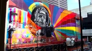 Armstrong family meets artist of Neil Armstrong mural