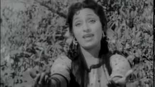 Lata Mangeshkar - Jiya Le Gayo Ji Mora Sanwaria   - YouTube