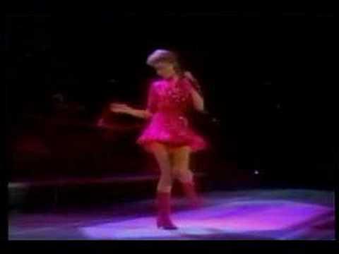Olivia Newton John - A little more love (Live - Concert)