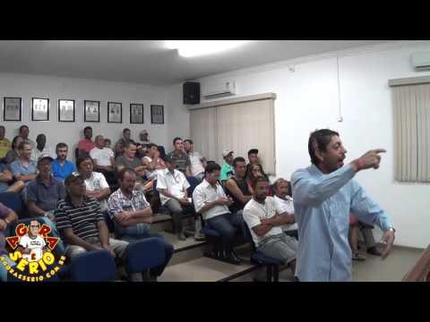 Pré - Candidato a Vereador Manoel Colírio quer saber porque só os Vereadores tem água Mineral geladinha ?