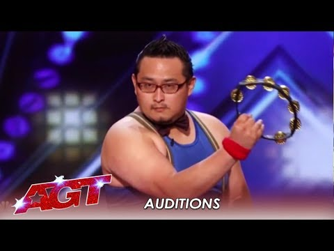 Japanese Tambourine Player Plays His FACE OFF! Literally.| America's Got Talent 2019 (видео)