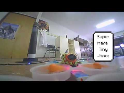 super-carrera-de-tiny-whoop-fpv-drones-tiny-whoop-race-at-school