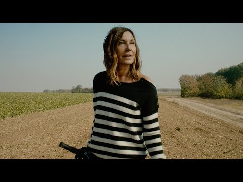 """Figurant/silhouette dans le clip """"L'essenciel"""" de ZAZIE"""