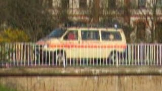 preview picture of video 'Bergrettungsfahrzeug Bergwacht (Wache ?) in Pirna'
