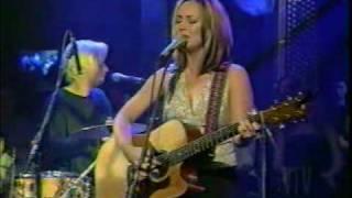 "Tara MacLean ""Let Her Feel the Rain"" & Interview - VTV special part III"