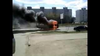 Тверь, горит машина на Можайке