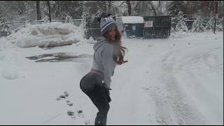 Yanet Garcia MY FIRST TIME PLAYING WITH SNOW