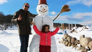 ემილიასთაბ ერთად ვისვენებთ ბაკურიანში, ვაკეთებთ თოვლის ბაბუას