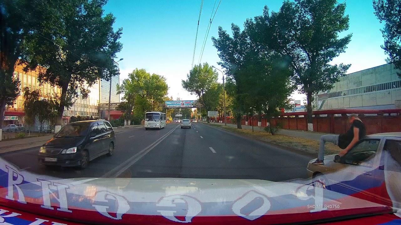 Не перебежал дорогу парень в  Ростове-на-Дону