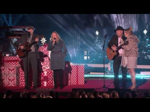 Garth Brooks, Trisha Yearwood, James Taylor & Kim - What I'm Thankful For
