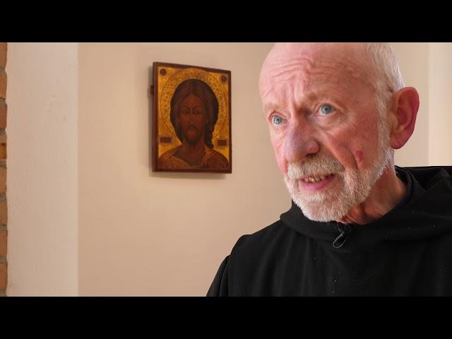 Was bedeutet Fronleichnam? Pater Albert Altenähr weiß es.
