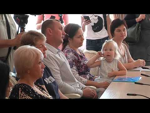 Многодетным семьям Курской области вручили ключи от автомобилей