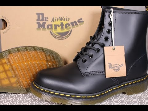 """DR MARTENS Classic """"1460"""" Boot Black *First Impressions*"""
