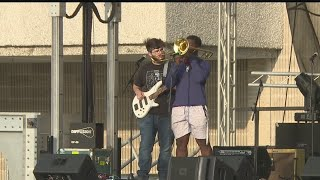 Southern Park Mall hosts drive-in style concert