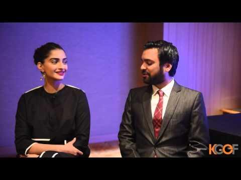 Sonam Kapoor receives I AM WOMAN women empowerment award for Neerja (Full version)