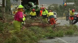Furtuni de praf şi averse cu grindină s-au abătut asupra estului Australiei, grav afectat de incendii