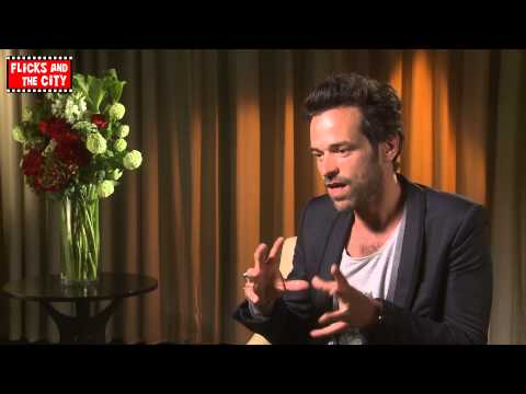 Romain Duris Interview - Chinese Puzzle & Audrey Tautou | MTW