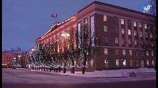 Завтра в Великом Новгороде начнется монтаж праздничного новогоднего освещения