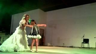 preview picture of video 'maria porcel con su hija'