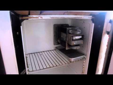 Абсорбционный холодильник Дон 1962 года