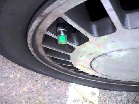 Tapones indicadores presión neumáticos.