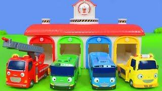 Tayo der Bus Unboxing: Garage mit Feuerwehrauto, Bagger, Lastwagen, Feuerwehrmann & Robocar Poli