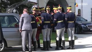 Cortegiul funerar cu sicriul Reginei-Mamă Elena a sosit la Palatul Elisabeta