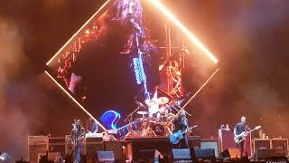 """Foo Fighters with an epic performance of """"My Hero"""""""