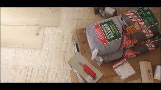 Fliesen legen : Großformatige Fliesen in der Küche in Holzoptik