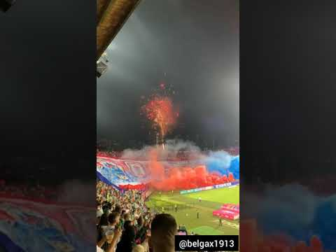 """""""Atlético Nacional vs Medellín 2021 - Recibimiento de la hinchada"""" Barra: Rexixtenxia Norte • Club: Independiente Medellín • País: Colombia"""