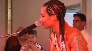 Alicia Keys How Come You don't call me Amazing! Live 2001
