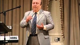 Pierre Shammassian in Lezoun Vosgor Chouni - Armenian Stand Up Comedy