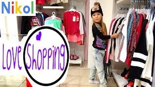 Николь делает Шопинг в магазине одежды  FASHION SHOW BEAUTY VLOG KIDS FASHION
