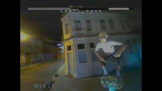Voo FPV com microdrone TinyhawkS pilotando dentro do carro andando nas ruas do Recife Antigo a noite