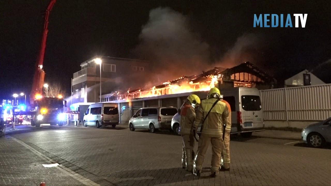 Grote uitslaande brand in Kringloopwinkel Zekkenstraat Hoek van Holland