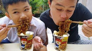 Trò Chơi Bé Thích Ăn Mì ❤ ChiChi ToysReview TV ❤ Đồ Chơi Trẻ Em Baby Doli Proro Noodles