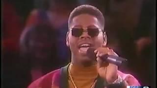 Boyz II Men Ft. Brian McKnight - Let It Snow ( Live )
