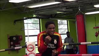 Roamer Angulo Training HARD At Mundo Boxing Gym To UPSET David Benavidez! 🇨🇴