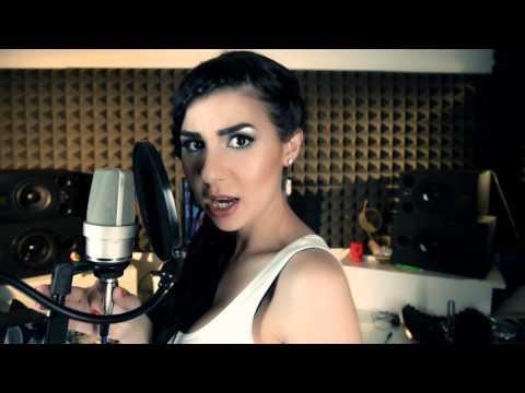 Amy Winehouse - Valerie (cover by Adena)